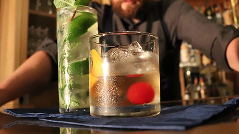 Old_Fashioned_Cocktail_Clear_Ice